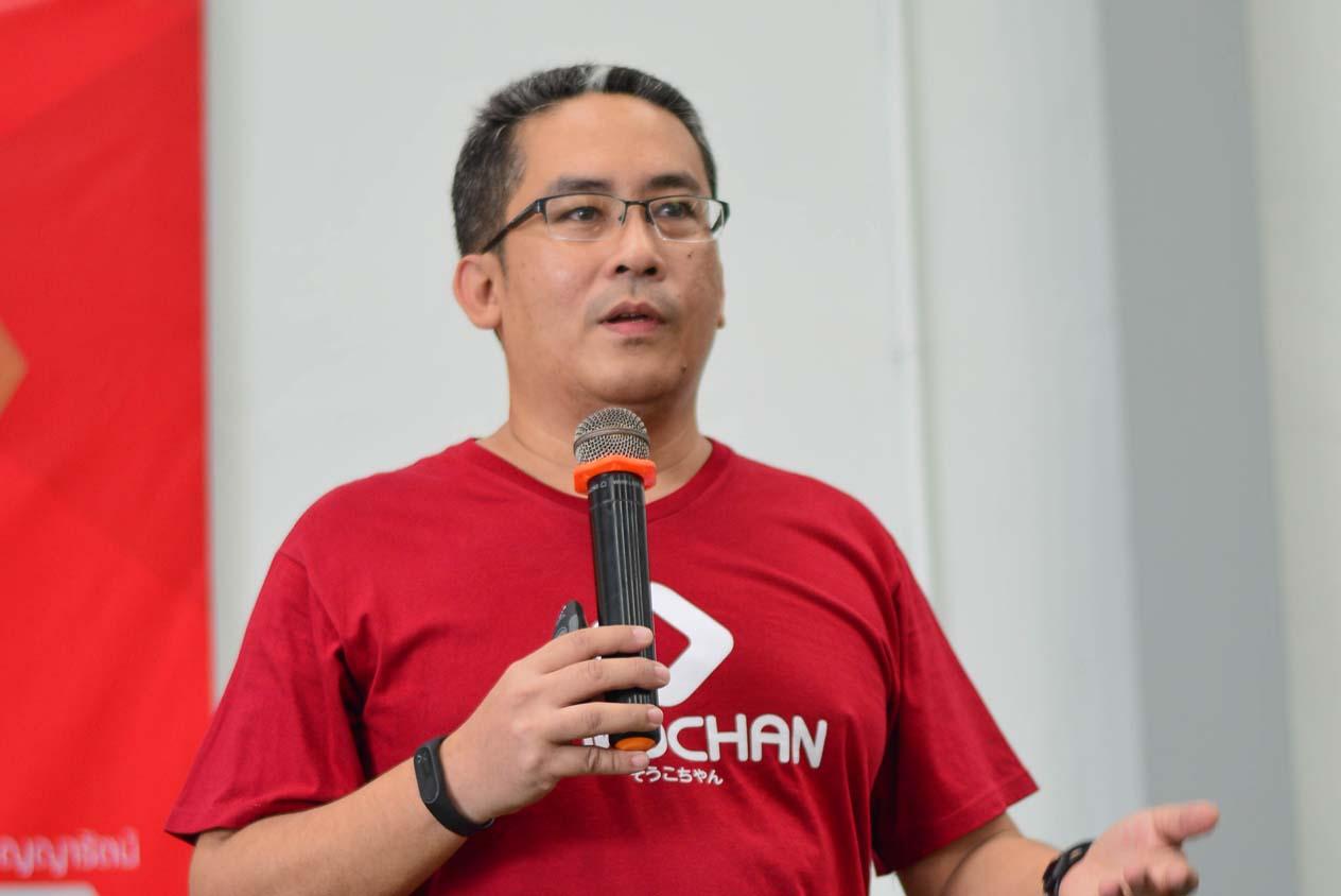 เอเดรียน สจ๊วต ผู้ร่วมก่อตั้ง บริษัท โซโกะจัง จำกัด
